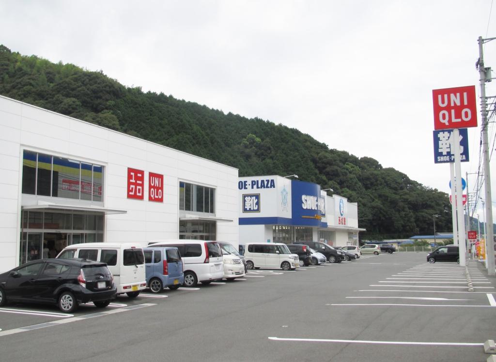 ユニクロ 宇和島店・シュープラザ 宇和島店・西松屋